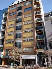 カーサ角ビル2階